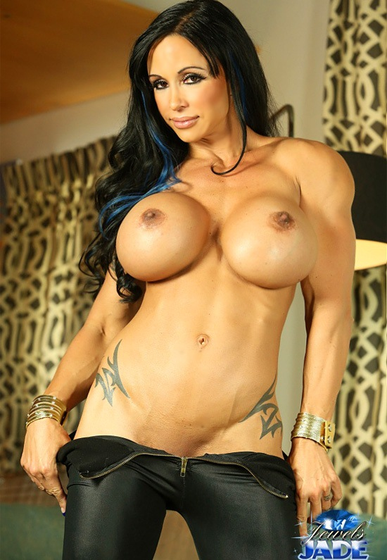 hot-busty-muscle-girls-naked-lea-hutchins-naked